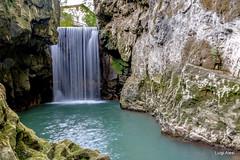 Pioraco - i Vurgacci (Luigi Alesi) Tags: marche pioraco italia italy macerata vurgacci cascata fiume acqua gola paesaggio landscape scenery fujifilm xm1 raw