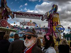 Menschen auf der Wiesn - People on the Oktoberfest 2018 Munich (1).jpg (Ralphs Images) Tags: streetphotography moods mft menschen olympuszuikolenses ralph´simages stimmungen panasoniclumixg9