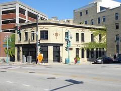 Tied House - Milwaukee (Mark 2400) Tags: tied house milwaukee pabst blue ribbon