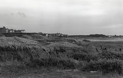 Lossiemouth, Elgin (AJH_1) Tags: kodak tmax 400 35mm olmypus om1 50mm september 2018 scotland elgin lossiemouth coast sea uk monochrome bw blackandwhite highlands landscape