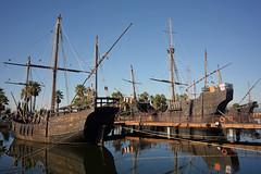 Muelle de las Carabelas 1 (ojotuerto) Tags: carabelas barcos colón