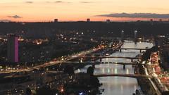 Trois photos couleur de nuit à Rouen - I/III : la Seine, les quais, des ponts, la tour des archives et un reste de ciel... (stephane.desire) Tags: seine rouen pont quai lumière starburst pose poselongue 8