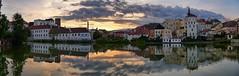 Tipico tramonto di Jindřichův Hradec (Luna y Valencia) Tags: southbohemia tramonto sunset puestadesol jindrichuvhradec repubblicaceca ceskarepublika