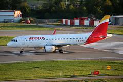 "Iberia Airbus A320-214 EC-MCS  ""Playa de los Lances"" (M. Oertle) Tags: iberia airbus a320214 playadeloslances"