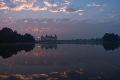 Schloss Moritzburg zum Sonnenaufgang (lebastian) Tags: sunrise sonnenaufgang sony dscrx100m3 2470mm f1828
