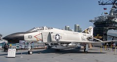 McDonnell Douglas F-4 Phantom II (orange27) Tags: mcdonnelldouglasf4phantomii f4phantomii fighterbomberaircraft aircraft ussmidwaycv41 ussmidway cv41 midwayclassaircraftcarrier aircraftcarrier usnavy sandiego california unitedstates northamerica