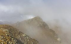 Collet d'Ortafá, Principat d'Andorra (kike.matas) Tags: canon canoneos6d canonef1635f28liiusm kikematas colletdortafá canillo andorra andorre principatdandorra pirineos paisaje montaña niebla nubes otoño lightroom6 андорра senderismo excursión