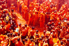 Orange Gulal Holi Celebration, Shri Dauji Temple, Chhabria India (AdamCohn) Tags: 017kmtobaldevinuttarpradeshindia abeer adamcohn baldev chhabria india shridaujitemple uttarpradesh colors geo:lat=27408308 geo:lon=77821850 geotagged gulal holi play wwwadamcohncom अबीर गुलाल baldeo
