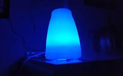 Color favorito. Azul (Davidmdv9) Tags: purificador azul oscuridad