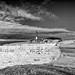 Les ruines du premier sémaphore détruit en 2003 et le haut du phare de la Coubre.