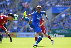 Leicester City v Liverpool (Alex Hannam) Tags: sport soccer clubsoccer leicester england unitedkingdom gbr leicestercityfootballclub leicestercity lcfc liverpool demaraigray