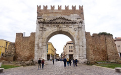 Rimini arco Augusto (berightbackblog) Tags: rimini romagna emiliaromagna italia italy mare streetart
