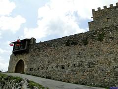 Argüeso (santiagolopezpastor) Tags: espagne españa spain castilla cantabria castle castillo chateaux medieval middleages