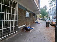 Endell Street. 20181019T06-22-04Z (fitzrovialitter) Tags: coventgarden england gbr geo:lat=5151538000 geo:lon=012578000 geotagged holbornandcoventgardenward unitedkingdom peterfoster fitzrovialitter city camden westminster streets urban street environment london fitzrovia streetphotography documentary authenticstreet reportage photojournalism editorial daybyday journal diary captureone olympusem1markii mzuiko 1240mmpro microfourthirds mft m43 μ43 μft ultragpslogger geosetter exiftool vagrant homeless roughsleeper rubbish litter dumping flytipping trash garbage