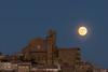Ujué (jbejaranofoto) Tags: ujue navarra nocturna luna moonlight moon horaazul iglesia pueblos javier bejarano nikon d7200 70300 planit