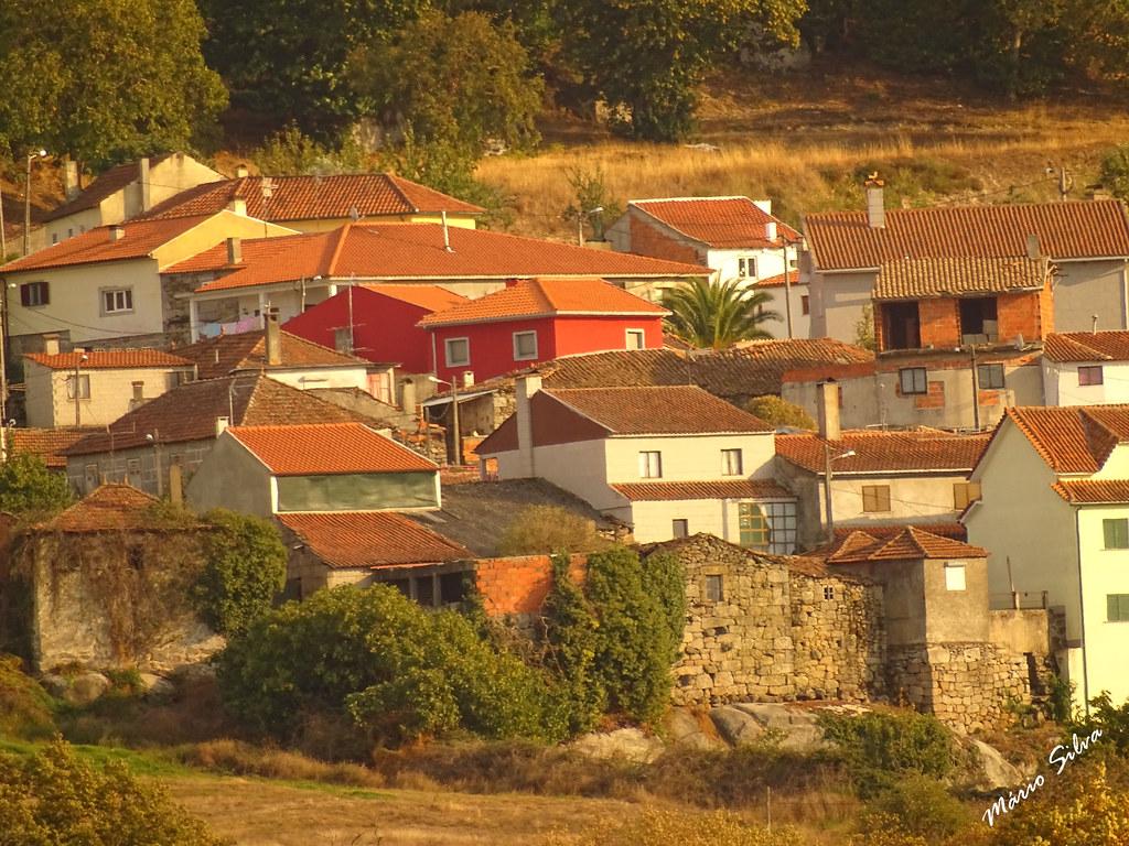 Águas Frias (Chaves) - ... vista parcial de aldeia ...