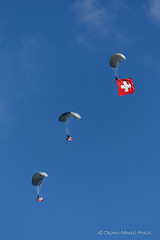 JMA_8030_DxO.jpg (© Jimmy) Tags: 20181009 5diii axalp forcesaériennes photojeanmarcayer swissairforce airshow avion parachute parachutiste