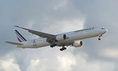F-GZNP approaching Miami - 26 October 2018 (John Oram) Tags: fgznp airfrance b777 b77w b777300 mia kmia miami 2003p1080386c