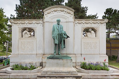 The 1915 Thomas Lowry bronze statue and memorial at Smith Triang (thstrand) Tags: 1880s 1890s 1915 19thcentury 20thcentury adultmale american americans art arts artwork bronzestatue businessman civicmemorial corroded corrosion culturalheritage fulllength historicperson history karlbitter lawyer lowryhill mn man memorial memorials midwest midwestern minneapolis minneapolisstreetrailwaycompany minnesota monument monuments nobody old outdoors outside parks portraits publicart realestatedeveloper sculpture smithtrianglepark soolinerailroad statues tcrt thomaslowry twincities twincityrapidtransit us usa unitedstatesofamerica urban vintage visualarts