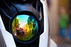 Reflecting scooter (tom.leuzi) Tags: canonef70200mmf4lisusm canoneos6d italia italien italy motorrad sicilia sicily sizilien motorbike reflection street telezoom bokeh cefalù scooter roller