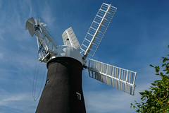 Holgate Windmill, September 2018 - 09 (nican45) Tags: 01092018 1september2018 18135 18135mm 2018 csc fuji fujifilm hwps holgate holgatewindmill september xt2 xf18135mmf3556rlmoiswr york yorkshire cap chain fantail ironwork mill mirrorless sail sails shadow shutter sky windmill