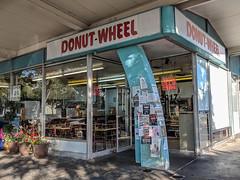 Donut Wheel, Livermore, California (Joey Hinton) Tags: livermore california unitedstates donut wheel google pixel2 andriod smartphone cellphone cameraphone phone