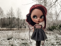 First snow! 💙❄☺💙❄ #blythe #blythedoll #customblythe #customdoll #blytheclothes #blythecrochet #crochet #blythedress #crochetdollclothes (Dolliina) Tags: blytheclothes blythedress blythe crochet customblythe blythecrochet customdoll crochetdollclothes blythedoll