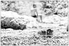 #44 - Meritato riposo (bumbazzo) Tags: 52 44 onceaweek vertova bergamo italia italy bn bianco nero bianconero bw black white blackwhite scarpe shoes trakking montagna mountain landscape landscapes paesaggio paesaggi