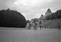 2018-11-08-0002 (fille_ennuyeuse) Tags: black white film 35mm kodak tmax 400 analog szececin poland berlin europe germany ecmc bike messengers sarah max pedro ben mateo