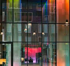 De ZuidAs Amsterdam (Roelie Wilms) Tags: amsterdam zuidas reflectie reflection reflektie reflections glasreflectie