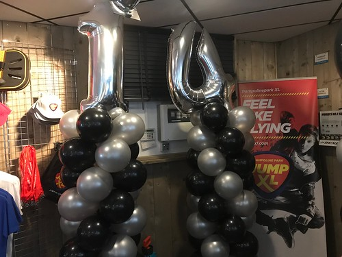 Ballonpilaar Breed Folieballon Cijfer 14 JumpXL Spijkenisse