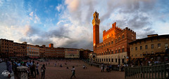 20180624-siena-00547-217-pano_web (derFrankie) Tags: 2018 anyvision b bestofbest c d e f h italien l labels landmarks m p palazzopubblico panorama piazzadelcampo s t u building château city cloud daytime evening exported facade historicsite landmark meteorologicalphenomenon metropolis morning plaza sky spire tourism touristattraction tower town townsquare ultraselect urbanarea
