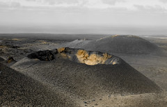 01_09_2018__DSC03403.jpg (Lea Ruiz Donoso) Tags: volcanes lanzarote canarias canaryislands volcano volcan mountain lava landscape nature monochrome mono paisaje cielo monocromático learuizdonoso sony sonyαlphα