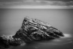 Portknockie, Escotland (jesbert) Tags: portnockie scotland moray stone birds fine art black white water long exposure sony a7r2 jesbert rodriguez