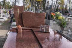Scientia nobilitat   Kodeks finansowy (PanMajster) Tags: scientia nobilitat wiedza uszlachetnia kodeks finansowy pabianice cemntarz cemetery graveyard święto zmarłych all saints day pentax k3ii sigma 1835