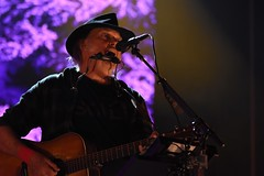 Neil Young & Promise of the Real (Crumblin Down) Tags: farm aid 2018 hartford ct connecticut xfinity theatre theater willie nelson lukas mikah john mellencamp dave matthews board directors neil young farmers event fest festival concert for america united states stage lights colors colorful rock roll folk country music ohio old man heart gold promise real americana classic