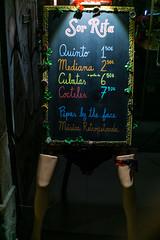 Pipas gratis (alimoche67) Tags: sony josejurado barcelona street urbanas cataluña españa catalunya ciudad a6000