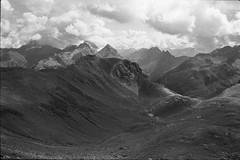 Tschitta (vladixp) Tags: fp4 fp480 d76 14min 20c 12 praktica mtl5 flektogon k2 pf7250u 3600dpi 35mm fp4plus yellowfilter filmscan 35mmfilm film bw bwfilm filmphotography negative scanned ilford graubünden grigioni grisons svizzera schweiz switzerland suisse alpi alps alpen tschitta