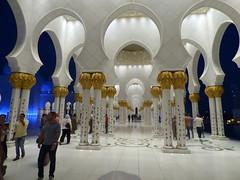 Mezquita de Abu Dhabi (Juan Carlos Aristu) Tags: atardecer anochecer arquitectura abudhabi cielo ciudad discovery dubai edificio eau eos ea flickr flickrestrellas gente igersworld asia emiratosarabesunidos emiratosárabes macrofotografia macrofotografía monumentos monumento mezquita turismo templo world