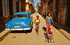 Paseando por las calles de La Habana (Harry Szpilmann) Tags: lahabana woman girl kid people portrait blue classic vintage car chevrolet cuba streetphotography