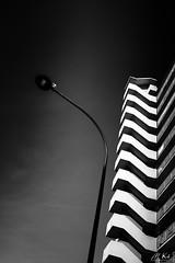 Paris_1016-342 (Mich.Ka) Tags: paris building city cityscape façade floorlamp geometric geometrique grafic graphique immeuble lampadaire mur pigeon town urbain urban ville wall îledefrance