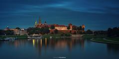 Wawel Hill, Krakow (Antoni Figueras) Tags: poland polska europe krakow wawel hill castle cathedral reflections vistula bluehour boats sonya7rii sony24105f4 antonifigueras