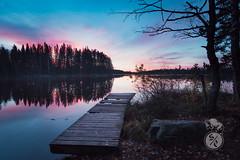 Red sky in the morning (Storm'sEndPhoto) Tags: sunrise sunset fullmoon fall syksy autumn aamu twilight dusk finland suomi nordic landscape nature outdoors luonto retkeily joutsijärvi järvi hiivaniemi morning laituri