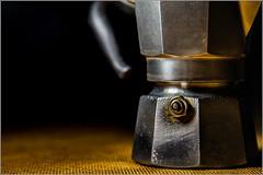 la valvola di sfogo (FedericoPatti) Tags: caffettiera valvola bialetti caffè stilllife 2018 colori colors contrasto oggetto 6d canon canoniani