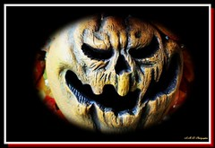 Howler (PhotoJester40) Tags: outdoors outside pumpkinhead pumpkinface display amdphotographer storybookhollow