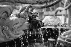 Wasserspiel (jangrevel) Tags: light wasser sw bw schwarzweis brunnen x100f fuji
