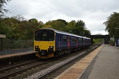 Ex FGW 150130 calls at Bamford with the 2S83 Sheffield to Manchester Piccadilly, 3rd Oct 2018. (Dave Wragg) Tags: 150130 class150 fgw northern dmu railcar 2s83 bamford hopevalleyline railway