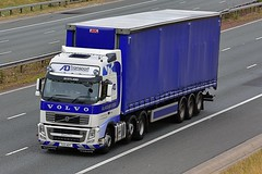 T22 ADT (Martin's Online Photography) Tags: volvo fh03 truck wagon lorry vehicle freight haulage commercial transport a1m northyorkshire nikon nikond7200