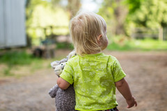 On the way to new adventures ! Yarra valley, Dandenong Ranges, Victoria, Australia (martine_vise) Tags: baby childhood child portrait portraitphotography blanket countryside countrylife rurallife walk alone