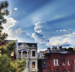 amazing light (ekelly80) Tags: dc washingtondc september2018 light sun glow bright sky clouds sunny rowhouses